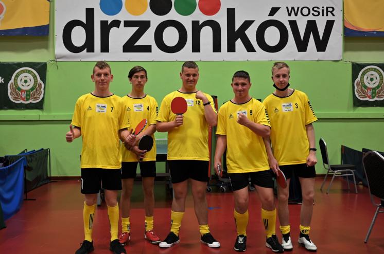 Ilustracja do informacji: Tenisiści stołowi z żagańskiego SOSW z kompletem medali
